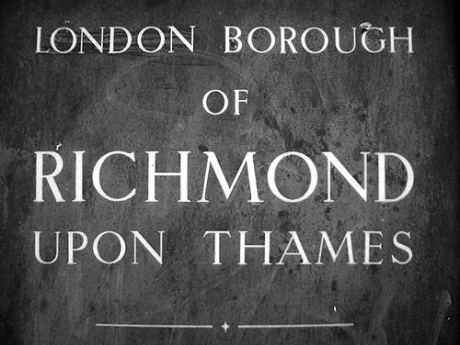 London Borough of Richmond upon Thames sign